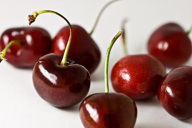какие фрукты в июне в крыму 2015